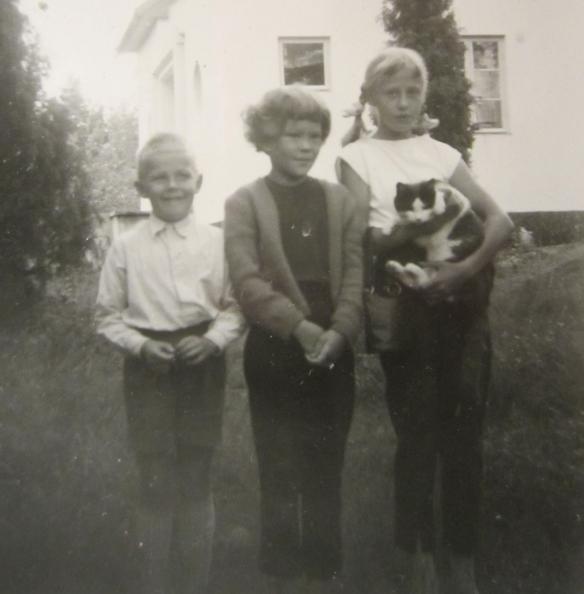 Pirjo, Tiitta ja Poppe